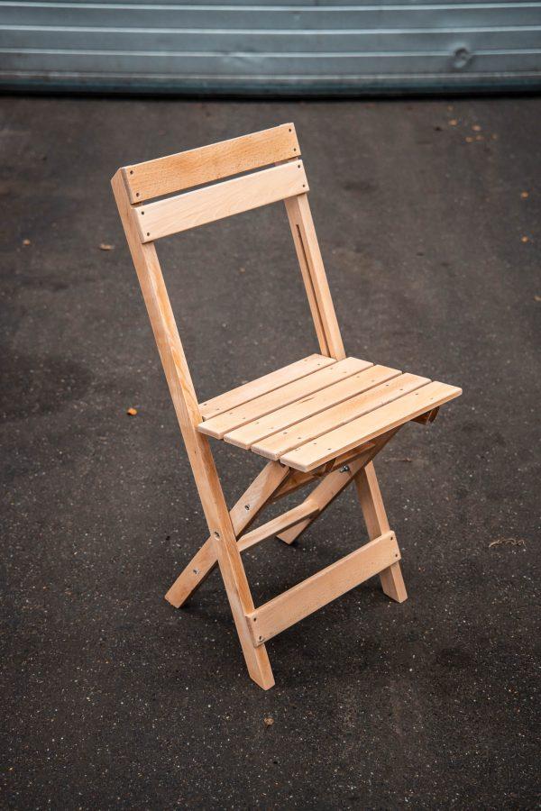 Deze inklapbare klassieke bistro stoelen zijn ideaal te gebruiken voor diverse gelegenheden.