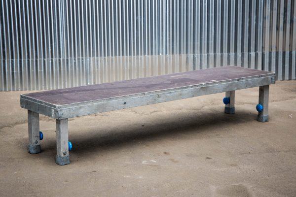 Podiumdelen: podiumelement 50x200cm met verstelbare poten van 40-65cm hoog