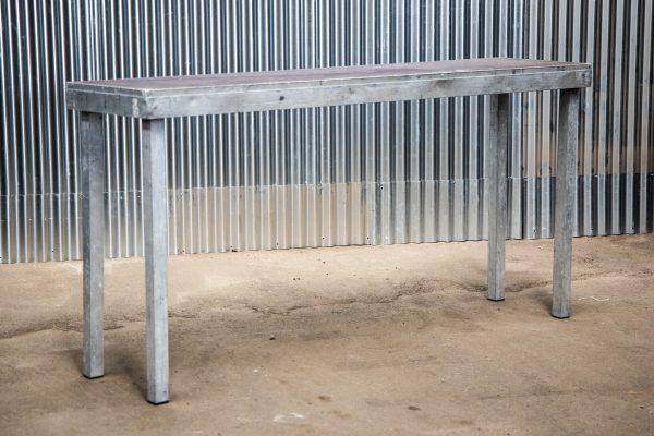 Podiumdelen: podiumelement 50x200cm met poten van 100cm hoog