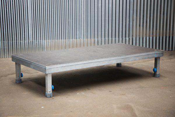 Podiumdelen: podiumelement 100x200cm met verstelbare poten van 40-65cm hoog