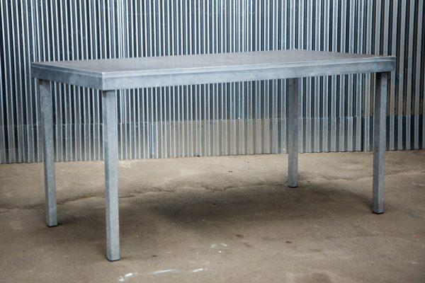 Podiumdelen: podiumelement 100x200cm met poten van 100cm hoog